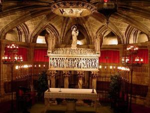 Sarcòfag de la Santa a la Catedral de Barcelona